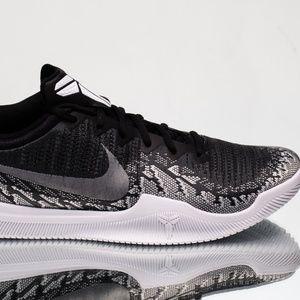 06f5776d8983 Nike Kobe Shoes - Nike Kobe Snakeskin Black   White Black Mamba NEW